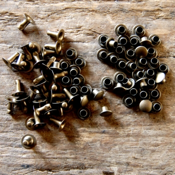 Rapid Rivets - antique brass (10 pieces)